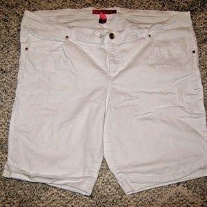 Bright White Stretch 5 Pocket Denim Jean Shorts 3X